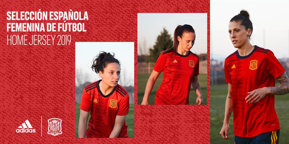 660e91d7c488b Las jugadoras de la Selección absoluta de fútbol crean su propia ...